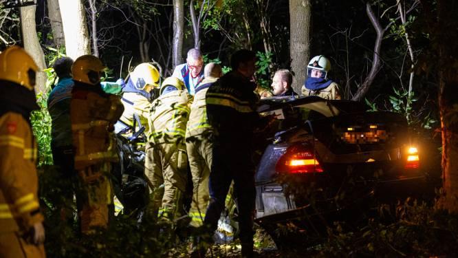 Amputatie in auto voordat Zwollenaar (32) uit wrak kan worden gehaald na ongeval op A50 bij Epe