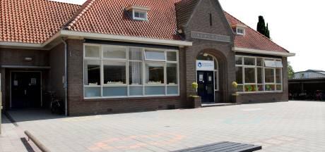 Koper voormalige Willibrordusschool in Ruurlo wil karakteristieke gevel behouden: Old Reurle verguld