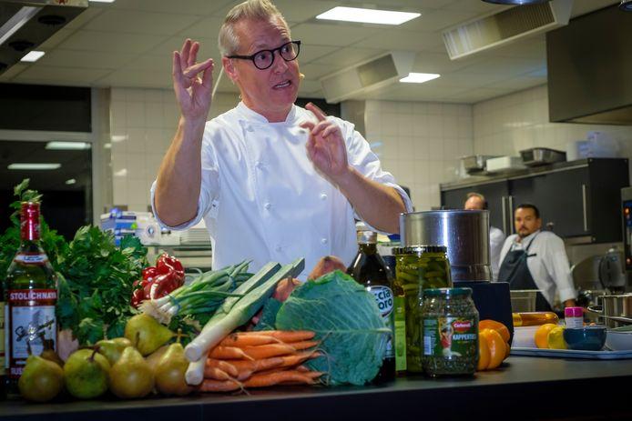 De populaire kok Rudolph van Veen is geregeld te zien op FOX-zender 24 Kitchen.