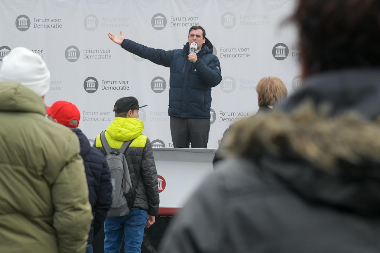 Thierry Baudet op het podium in Nijmegen.