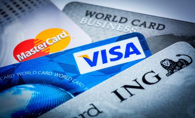 Wie voortaan met zijn kredietkaart in het rood gaat, komt er goedkoper vanaf. Beeld ANP XTRA