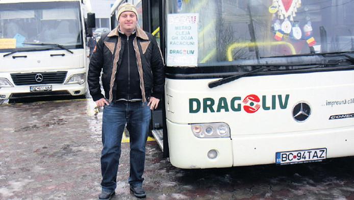 Adam Dragos Jonut op het busstation in Bacau.