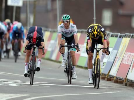 Van Aert bezorgt Jumbo-Visma zege in Amstel Gold Race na millimetersprint tegen Pidcock