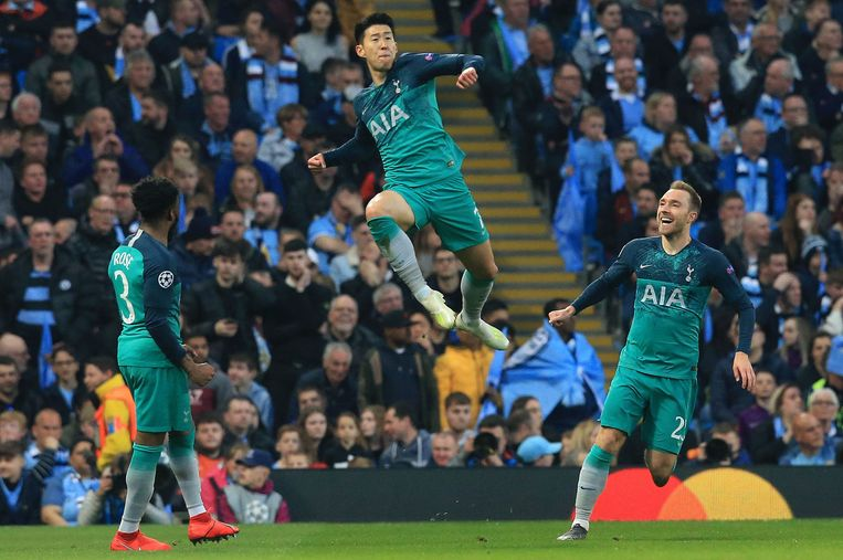 Tottenham Hotspur's South Korean striker Son Heung-Min celebrates scoring his team's second goal during the UEFA Champions League quarter final second leg football match between Manchester City and Tottenham Hotspur at the Etihad Stadium in Manchester, north west England on April 17, 2019. - The match ended 4-4, but Tottenham progress to the semi finals on goal difference. (Photo by Lindsey PARNABY / AFP)