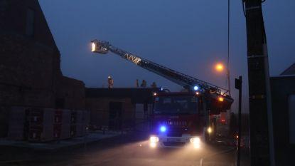 Brand in nieuwbouwwoning aan dak
