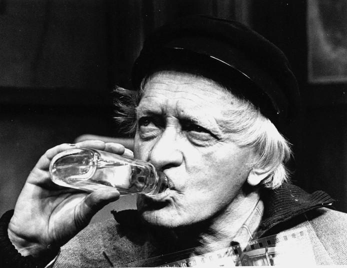 Sacco van der Made in een scène uit de speelfilm 'Arnhem: het verhaal van een ontsnapping' uit 1976.