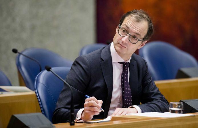 Staatssecretaris Eric Wiebes van Financiën tijdens het debat in de Tweede Kamer over belastingontwijking.