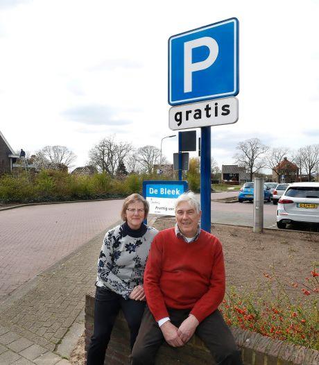 Buren balen van extra parkeerplekken op De Bleek in Doesburg: 'We willen niet nog meer beton'