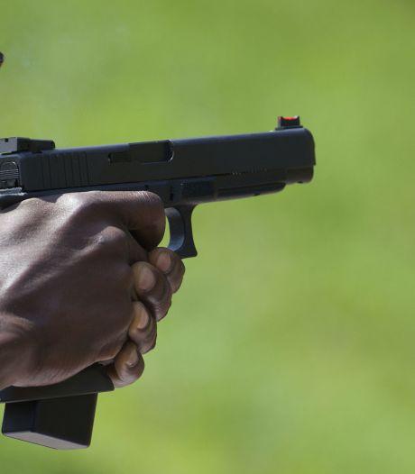 Man (47) trekt vuurwapen in Oss en wordt aangehouden bij veerpont Megen