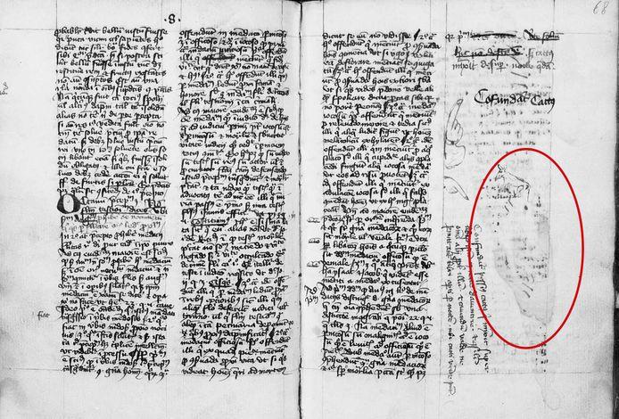 Het bevlekte manuscript uit 1420 van monnik en kopiist Conrad Scheych. Hij schreef hier in het Latijn zijn frustratie van zich af. Boven de vlek tekende hij een kat.