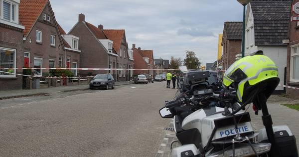 Fietsster overleden aan verwondingen na ongeluk in Kaatsheuvel, automobilist mogelijk onder invloed van drugs.