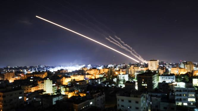 Vijfde nacht van geweld tussen Israël en Hamas, acht kinderen omgekomen bij bombardement