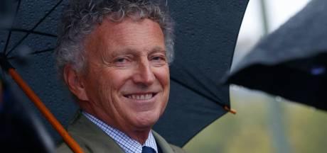 La grosse boulette de Nelson Monfort, sans pantalon pour présenter le Tour de France