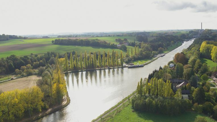 De zwaaikom van het kanaal Brussel-Charleroi in Ronquières.