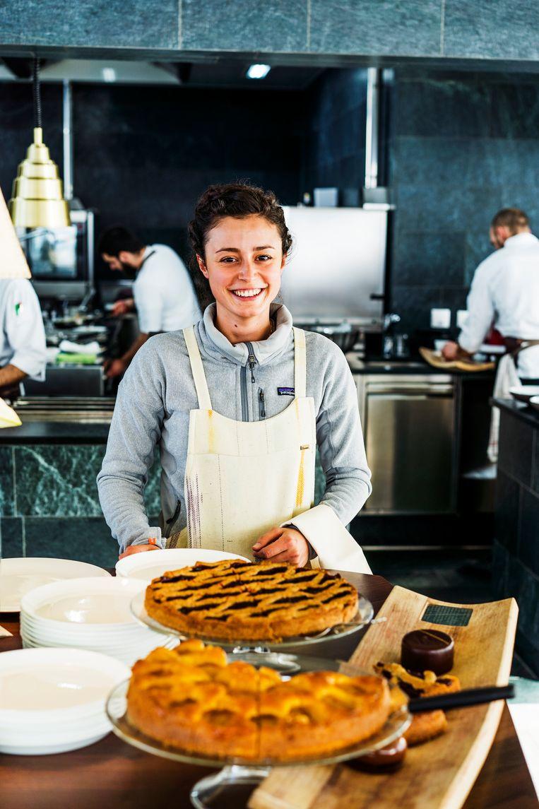 Een serveerster bij Graziani. Beeld Noel van Bemmel