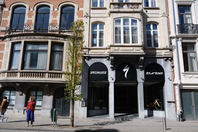 Het pand van de bekende Leuvense zaak Verbinnen in de Bondgenotenlaan heeft een nieuwe invulling gekregen: een belevingscenter voor fietsen van Specialized.