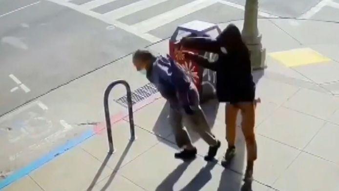 Un homme d'origine asiatique de 91 ans agressé dans la rue sans raison.