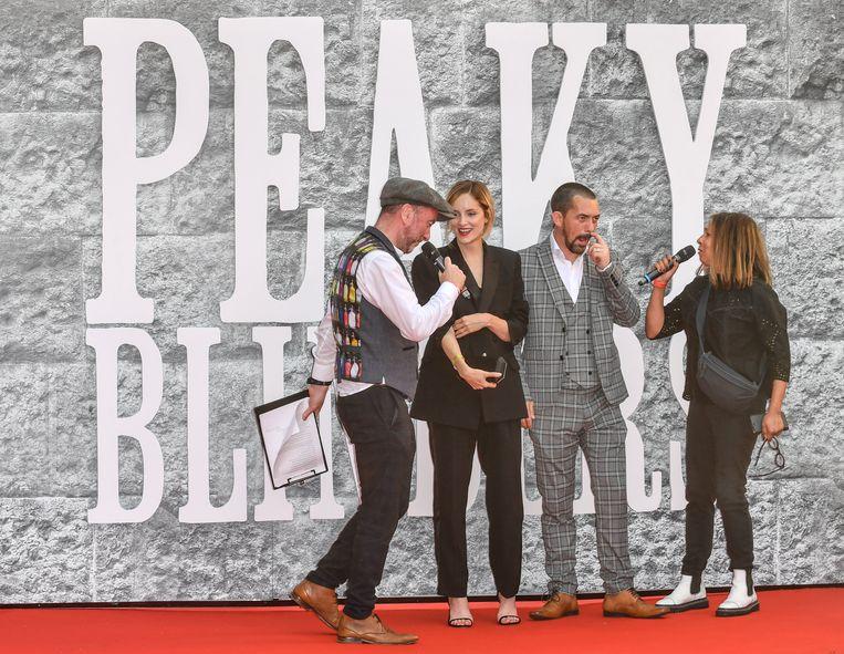 Castleden Packy Lee  en Sophie Rundle beantwoorden vragen van de presentatoren bij de première van het vijfde seizoen in Birmingham. Foto uit juni 2019.