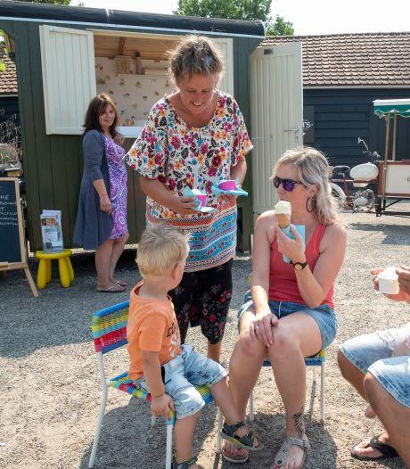 Ria stopt met ijsjes scheppen in Dreischor: 'De lol is er nu wel van af'