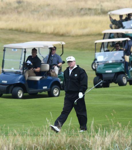 """""""Fiasco"""", """"perte d'argent"""": l'extension d'un golf Trump fait grincer des dents"""