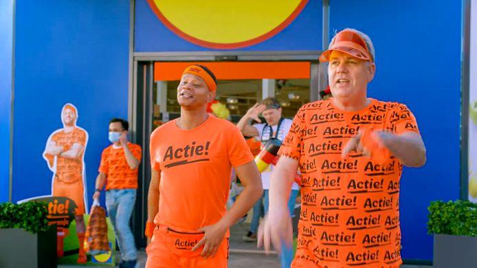 Oranje-commercial van  Lidl voor EK 2021: 'Ik vind de link met het voetbal vergezocht.'
