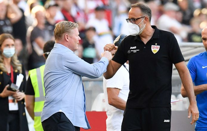 Ronald Koeman (l) met Pellegrino Matarazzo, trainer van VfB Stuttgart.