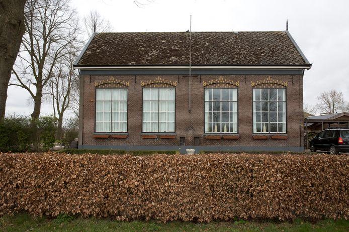 Oud schoolgebouw aan de Kadijk in Terwolde dat in was bij de Noorse Broeders.