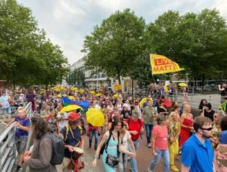 LIVE | Duizenden mensen demonstreren tegen coronabeleid, 5323 nieuwe besmettingen