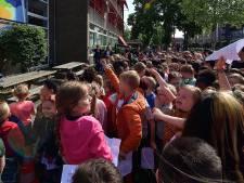 Feestweek voor 50-jarige Jeroen Bosch school begonnen met tas en ijsje voor leerlingen