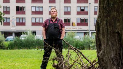 """Onverwacht toch drukke zomer voor Dominique Van Malder met radioprogramma Blokbusters aan sociale woonblokken: """"Als ik niet kan bezig zijn, word ik zot"""""""