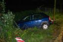 Op de Westelijke Havendijk in Roosendaal is zaterdagnacht een auto langs de weg aangetroffen.
