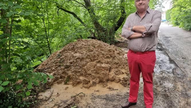 """Sluikstorters dumpen tonnen vervuilde grond op  oevers van Molenbeek: """"Dit stukje natuur ligt heel wat Rodenaren nauw aan het hart"""""""