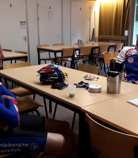 Ruim 300 racefietsers bij eerste toerversie Ronde van de Achterhoek