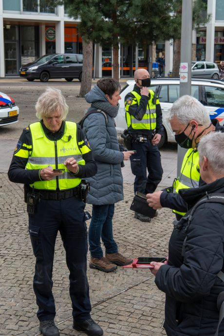 Demonstranten reizen vanuit alle windstreken tevergeefs naar Apeldoorn: 'Er komt een burgeroorlog'