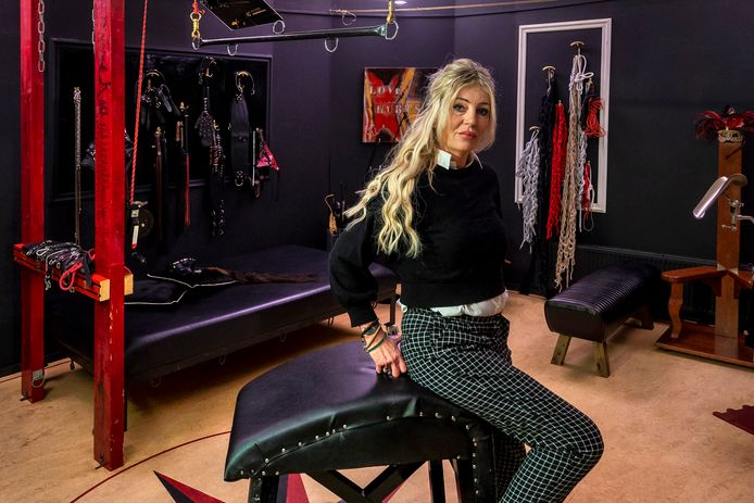 Sekswerkster Jill mag nog steeds niet werken door de lockdown .