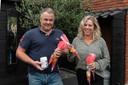 Patrick en Rebecca zamelen geld in voor ouders van een ernstig ziek buurmeisje