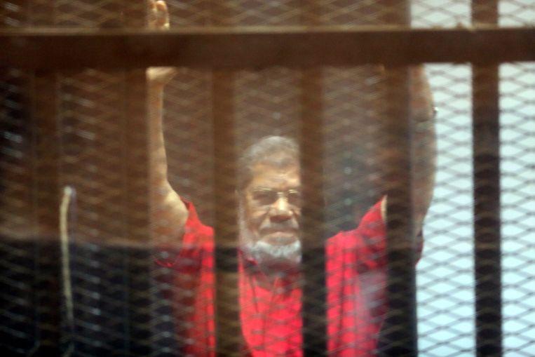 Morsi, in de cel. Beeld epa