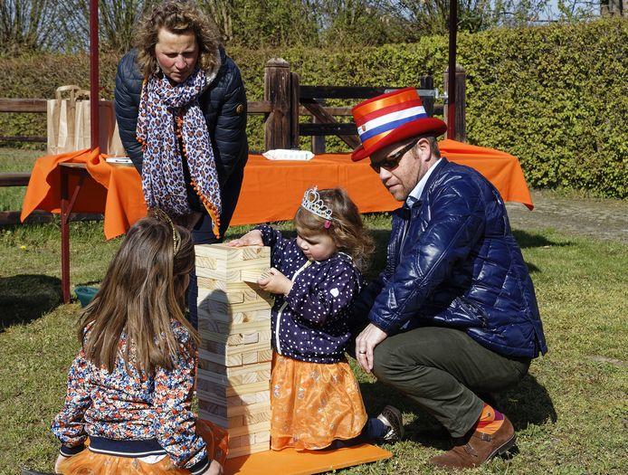 Huub, Esther met hun kinderen Lauren en Lois.
