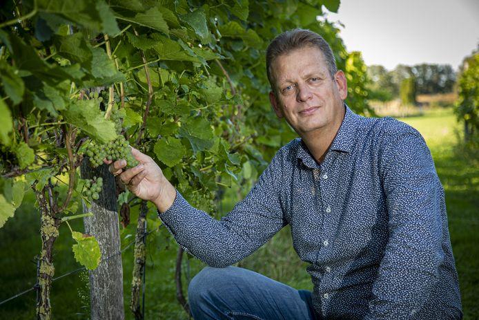 Michel Nijenhuis uit Espelo kan weer een puntje van zijn bucketlijst afstrepen. Zijn eigen wijn bij een goed gerecht in een sterrenrestaurant drinken.