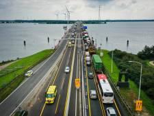 Watersport luidt de noodklok: 'Haringvlietbrug vaker open!'