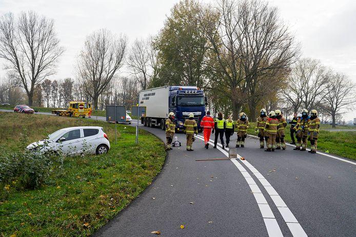 Ongeluk op de afrit van de A50 bij Ravenstein.
