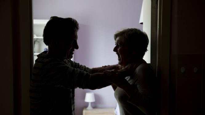 Hulplijn 1712 richt zich naar plegers van familiaal geweld in nieuwe campagne