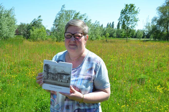 Linda De Clerck stelde een verjaardagskalender samen met een selectie oude foto's van Lokeren ten voordele van de brandweer.