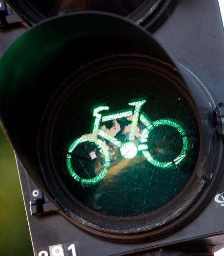 Duiven maakt twee oversteekpunten voor fietsers veiliger