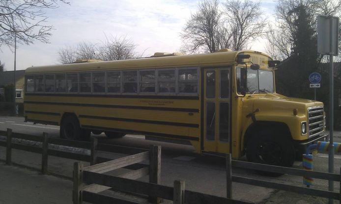 De bus waarmee Carola van Wijk naar school werd gebracht.