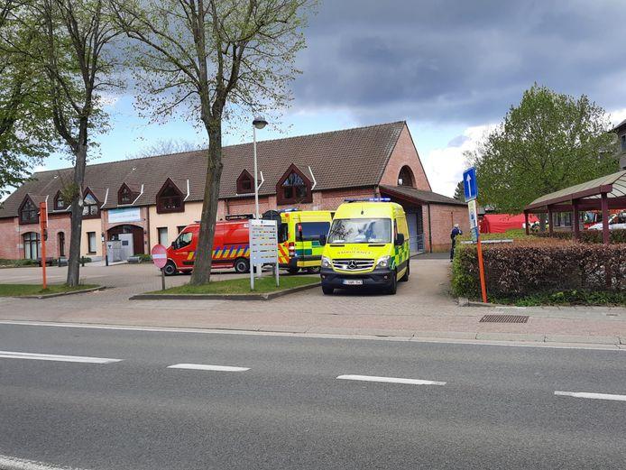 Het vuur brak uit in WZC Sint-Maria aan de Gasthuisstraat.
