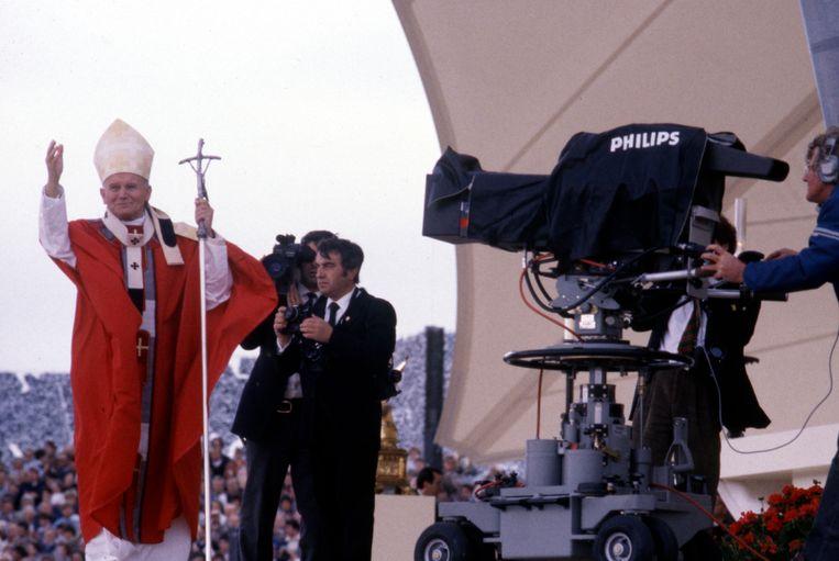 Paus Johannes Paulus II, op 14 mei 1985 in Nederland. Beeld Getty