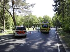 Fietsster (81) geschept door auto in Vierhouten