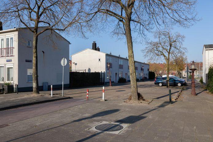 De hoek van de Ranonkelkade en Geraniumweg, waar de vrouw werd aangereden.