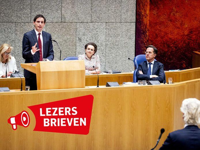 Sigrid Kaag, Wopke Hoekstra, Alexandra van Huffelen, Mark Rutte en Geert Wilders tijdens een nieuw debat over de toeslagenaffaire. Uit eerder openbaar gemaakte notulen van de ministerraad over de toeslagenaffaire kwam naar voren dat de Tweede Kamer om politieke redenen niet goed is geïnformeerd.